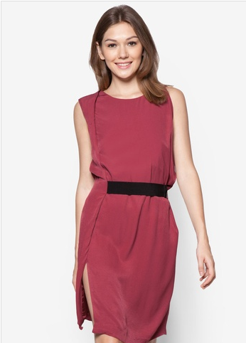 contrast belt dress