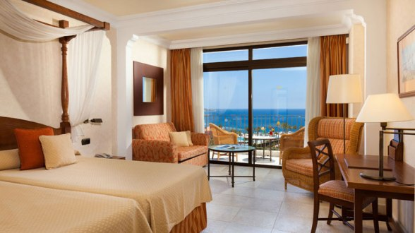 Dream Place Hotels_Room (2)