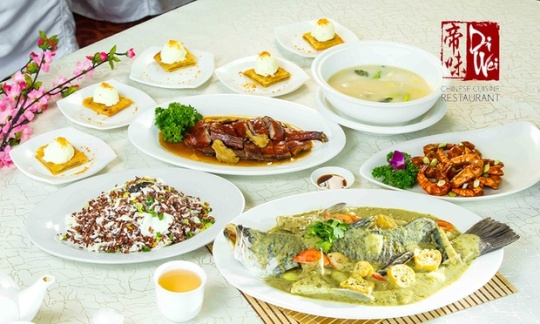 e Chinese Meal with Herbal Roast Duck & Drinks for 5 People