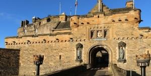 the-walk-to-edinburgh-castle
