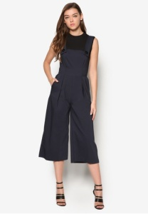 button-strape-wide-leg-jumpsuits
