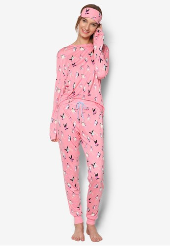christmas-skiing-penguin-long-pyjama-set