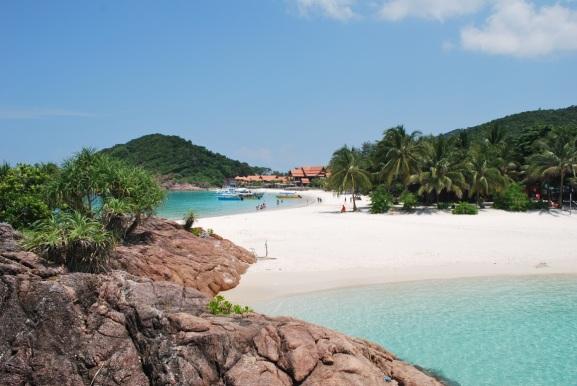21a-white-sandy-beach-crystal-clear-waters-redang-island-kuala-terengganu-malaysia
