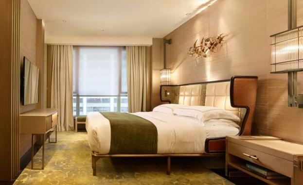 the-apartment-suite-at-the-landmark-mandarin-oriental-hong-kong-1