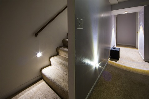 wireless-power-outage-led-stair-light-by-mr-beams-novelty-lighting-wireless-lighting-l-c3c814154ef1ee10