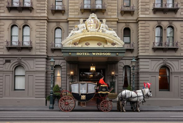 Hotel Exterior with horse1