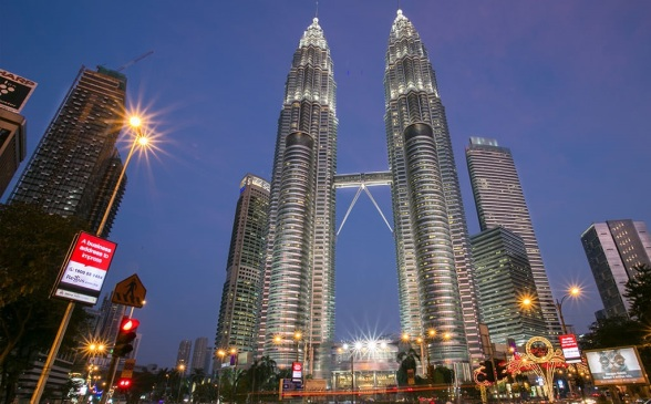 petronas-tower-evening.jpg