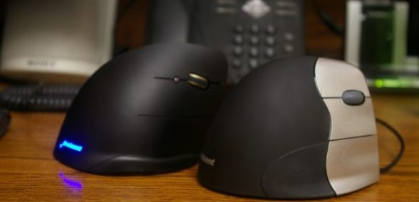 Evoluent-Vertical-Mouse-C-Review-620x300.jpg