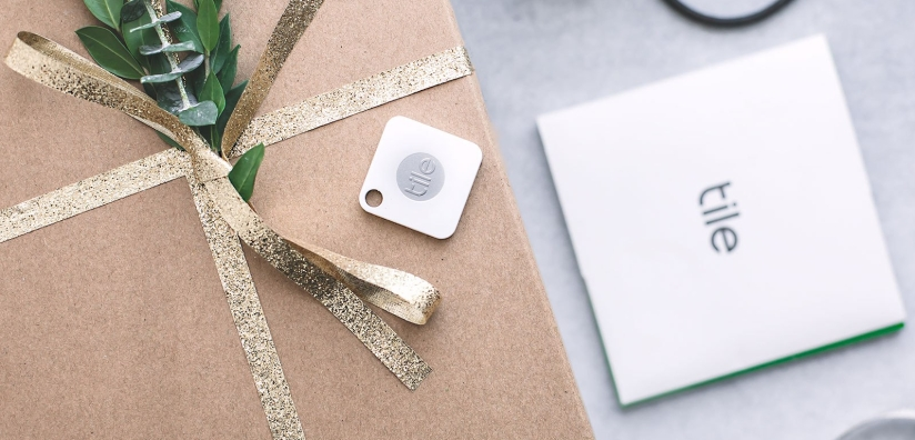 tech-gadget-gift-tile-bluetooth-tracker.jpg
