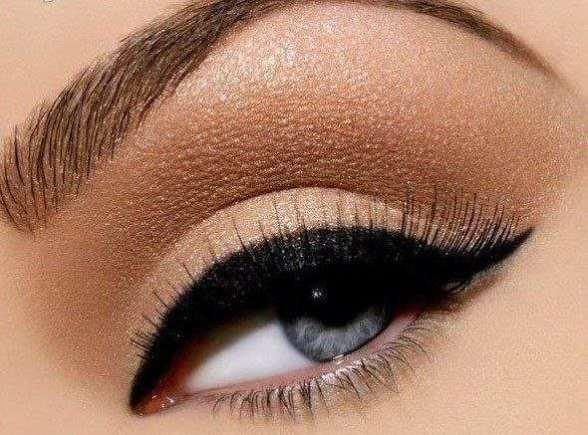 siyah-eyeliner1.jpg