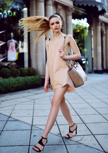 4.-nude-dress-with-strappy-sandals-e1444651065223.jpg