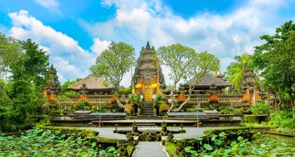 pura-taman-saraswati-temple (1)