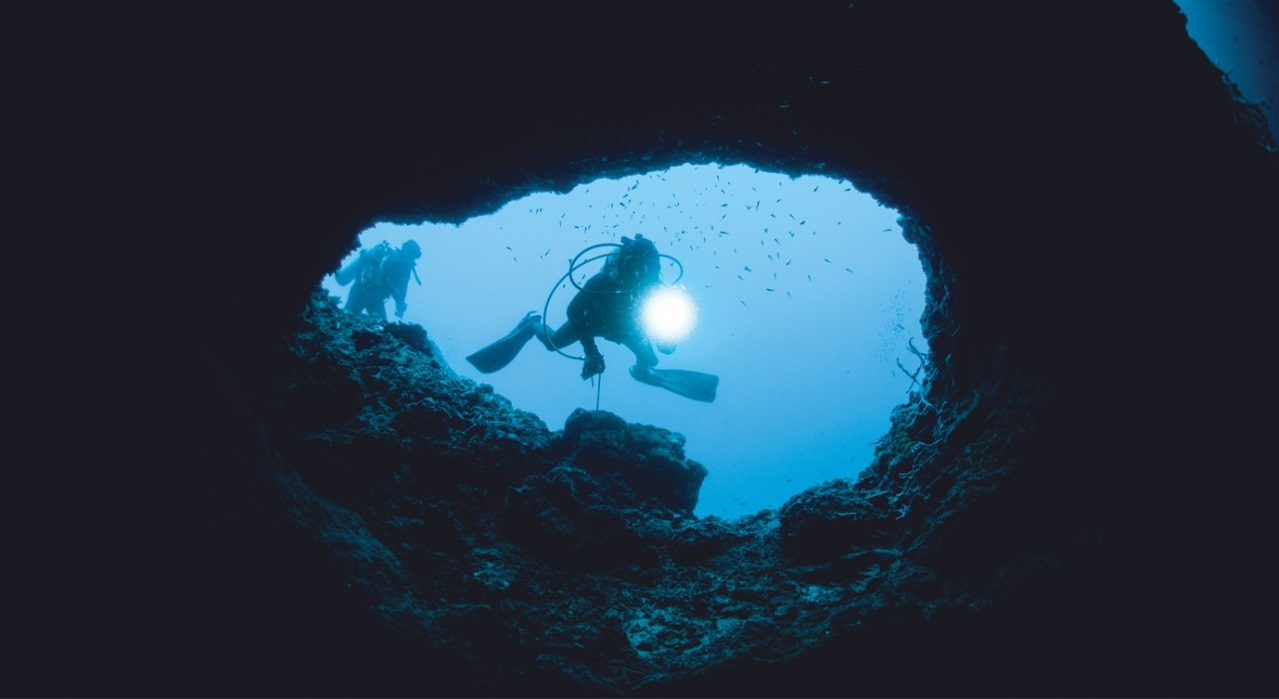 underwater-diving-philippines-1280x742