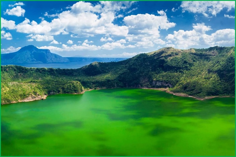 Taal_Volcano_Tagaytay
